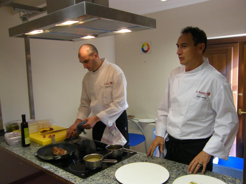 La muestra cuenta también con talleres de cocina.